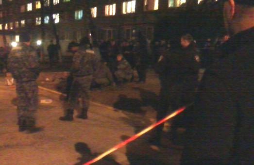 У Львові чоловік у камуфляжі порізав ножем трьох студентів