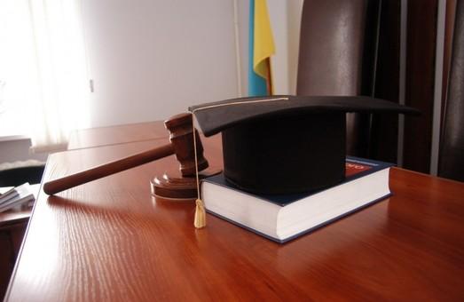 Суддя Едуард Шевченко, який «подарував» Межигір'я Януковичу, продовжує працювати
