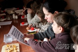 У Парку Культури безкоштовно вчать робити крапанки та писанки (ФОТО)