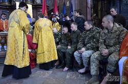 У Чистий четвер у Львові відбувся чин вмивання ніг бійцям АТО (ФОТО)