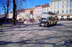 У Львові з`явиться новий вид туристичного транспорту - електромобіль