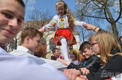 У Львові продовжують водити святкові гаївки (ФОТО)