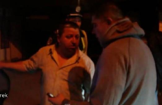 У Львові активісти спіймали п'яного працівника міліції за кермом (ВІДЕО)