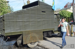 У Львові показали автомобіль, який розстріляли сепаратисти (ФОТО)