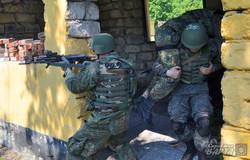 Яценюк відвідав українсько-американські навчання на Яворівському полігоні (ФОТО)