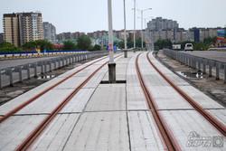 Під трамвай на Сихів прокладають бруківку та рейки (ФОТО)