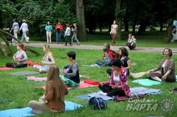 У Львові масштабно відзначили Всесвітній день йоги (ФОТО)
