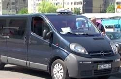 У львівських маршрутках підвищеного комфорту пропонують мінералку та свіжі газети
