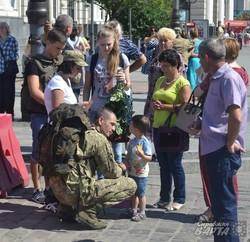 До Львова повернулись з фронту дві сотні «крилатих піхотинців» (ФОТО)