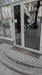 Російські банки у Львові засипали гільзами (ФОТО)