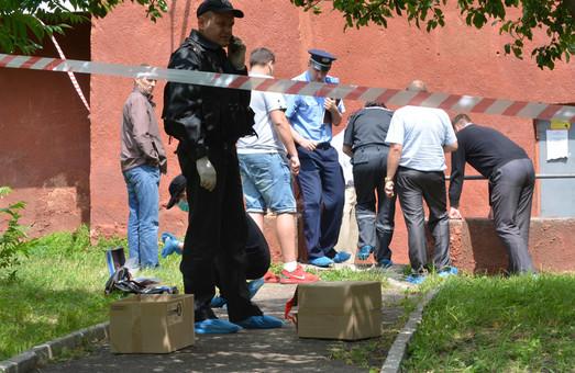 Фоторепортаж із місця вибуху біля дільничного пункту міліції на вул. Юрія Липи (ФОТО)