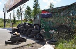 Фоторепортаж із блокпоста Правого сектору на в'їзді до Львова (ФОТО)