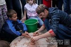 У Львові пройшов майстер-клас з гончарного мистецтва кримськотатарського майстра (ФОТО)