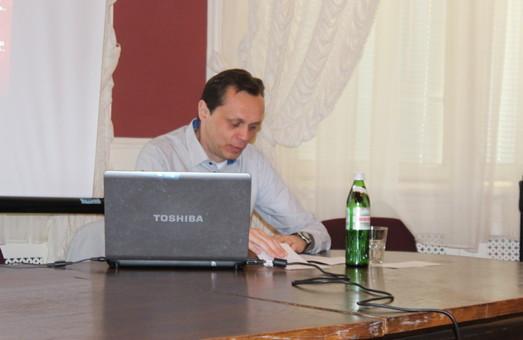 Ростислав Лужецький