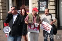 Під львівською оперою відбувся імпровізований концерт Білик, Лорак та Повалій (ФОТО)