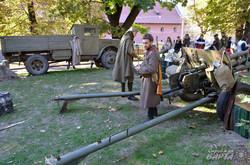 Центр Львова захопили військові усіх епох (ФОТО)
