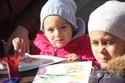 У Міжнародний день психічного здоров`я у центрі Львова провели мистецьку акцію для дітей (ФОТО)