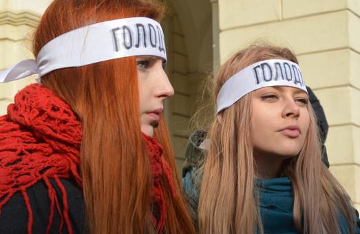 У Львові активісти розпочали акцію голодування у підтримку політв'язнів (ФОТО)