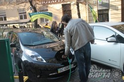У Львові встановили нові зарядні станції для електромобілів (ФОТО)