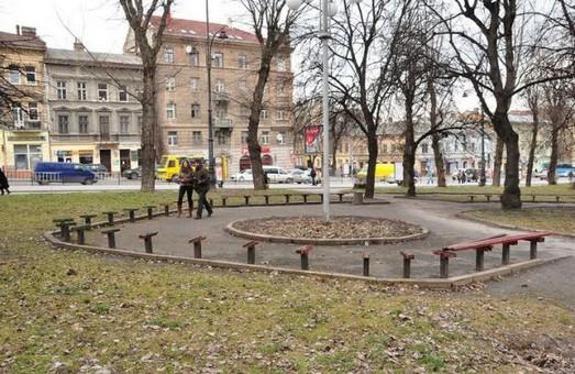 Через облаштування площі біля львівського цирку під загрозою опинивсь монумент Богдану-Ігорю Антоничу