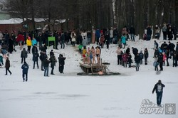 Як у Львові відзначили Водохреща у Горіховому Гаю (ФОТО)