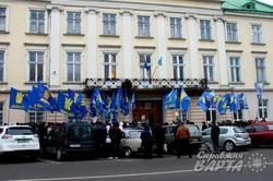 У Львові відбувся пікет на підтримку відставки прем`єр-міністра Яценюка (ФОТО)