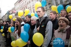 Щорічне масове публічне виконання гімну України у Львові присвятили Надії Савченко (ФОТО)