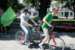 """У Львові провели соціальний експеримент """"На велосипеді - наосліп!"""" (ФОТО)"""