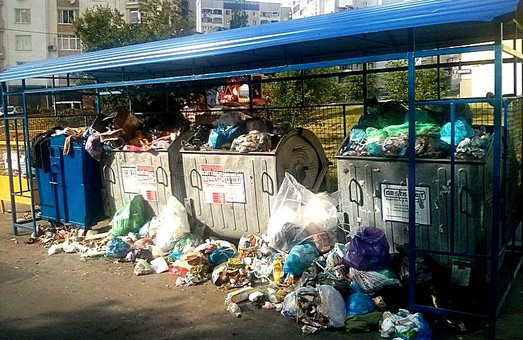 Ситуація з вивозом сміття у Львові знову критична