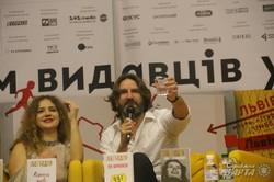 Відомий французький письменник та есеїст Фредерік Бегбедер представив у Львові свої романи в українському перекладі (ФОТО)