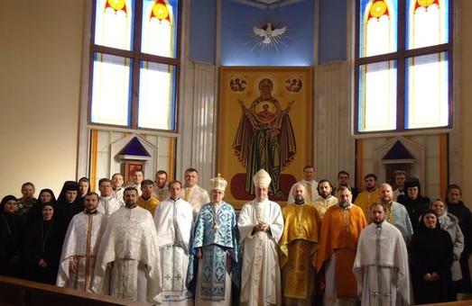 У Львові молитимуться за вчителів
