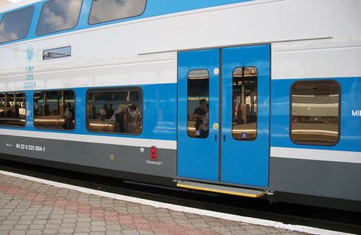 Із Києва до Львова пустять двоповерховий потяг
