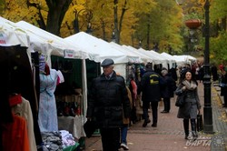 У Львові триває виставка-ярмарок харківських товаровиробників (ФОТО)