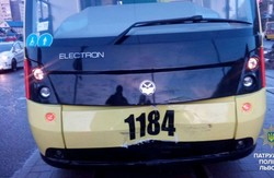 Сихівський трамвай вже встиг зчинити ДТП (ФОТО)