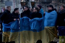 У Львові біля пам`ятника Шевченку згадують як починався Майдан (ФОТО)
