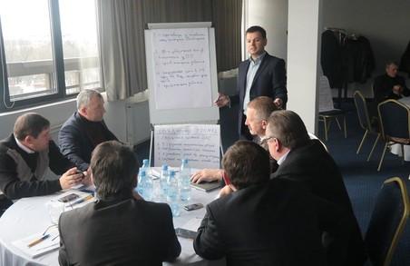 У Львові за круглим столом обговорили проблемні питання децентралізації