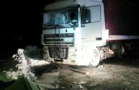 Львівські патрульні врятували водія вантажівки