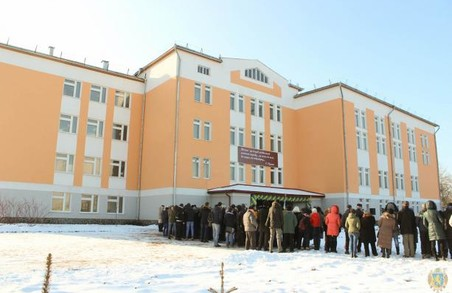 На Львівщині відкрили новозбудований корпус школи