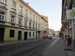 Як у Львові на переході збили пішохода (ВІДЕО)