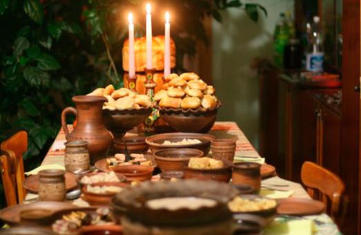 У Львові вчитимуть переселенців зі Сходу та Криму готувати Святу вечерю