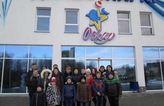 Діти учасників АТО з Львівщини побачили дельфінів