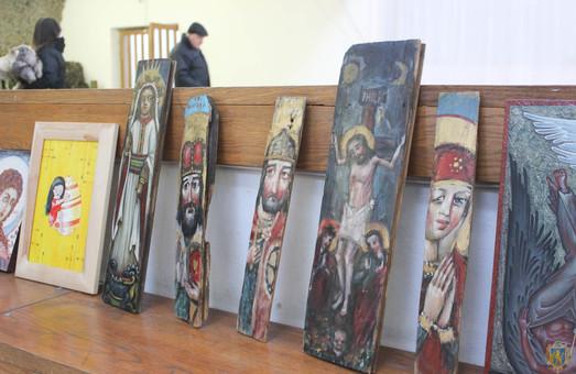 У Львові на мистецькому аукціоні збирають гроші на АТО