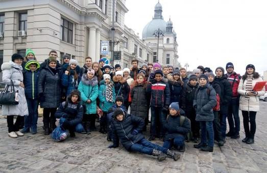 На зимові свята до Львова прибули діти воїнів АТО з Херсонщини