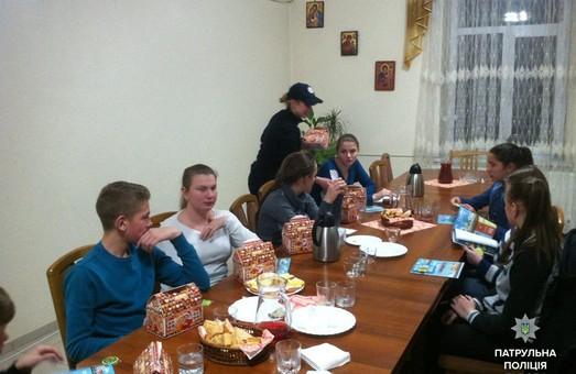 Святий Миколай має помічників серед львівських копів