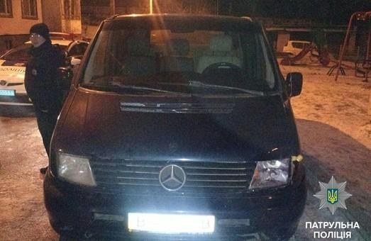 Львівські патрульні знайшли автівку водія, що збив жінку на вулиці Лінкольна