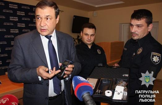 У Львові поліція отримала нові алкотестери