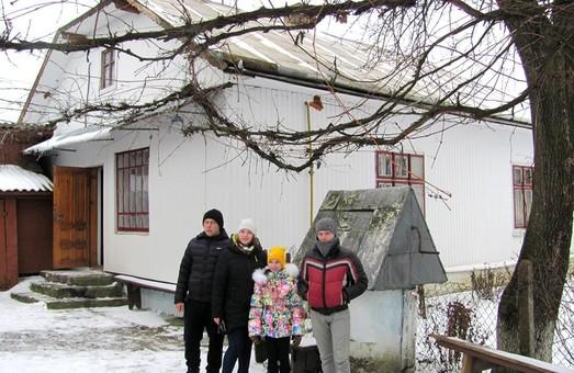 На Львівщині дітям-сиротам до Дня Миколая подарували будинок