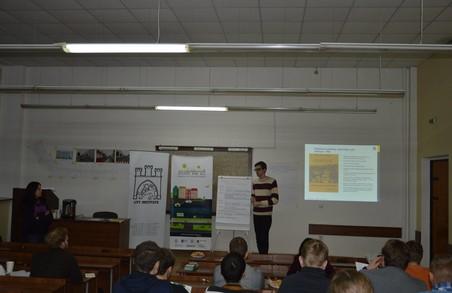 Громаді Львова запропонували варіанти реконструкції вулиці Бандери
