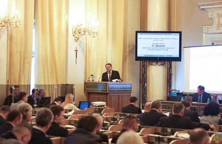 У Львівській ОДА пообіцяли зростання зарплат для освітян та медиків