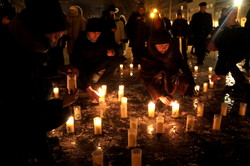 У Різдво львів`янам пропонували купити свічку, аби допомогти потребуючим (ФОТО)